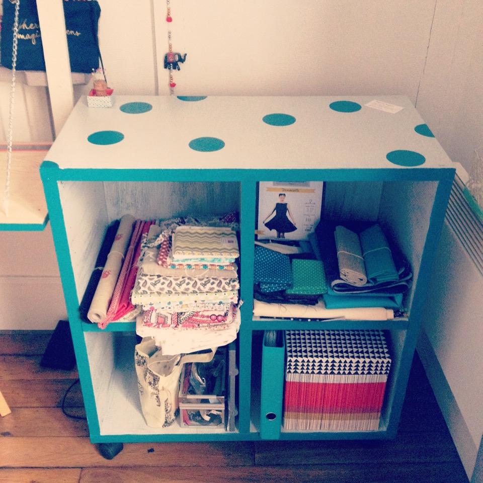 Cube IKEA retapé / customisé / peinture